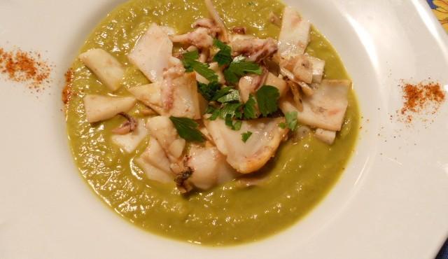 zuppa piselli e calamari